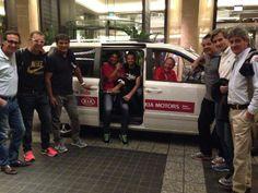 Rafa Nadal 27 January 2014  ¡Listos para el viaje de vuelta a casa! Muchas gracias a todos por vuestro apoyo. Ready on our way back home! Thank you for your support