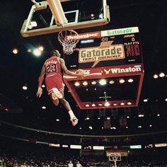 #BasketballGiftIdeas