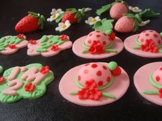 Edible fondant 4 Strawberry Shortcake Hat 4 by AysesEdibleArts