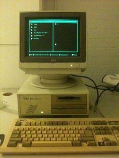 Tulip PC Compact2. Intel 386sx. El primer ordenador de sisectoriales.com 1988.