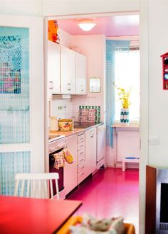 white kitchen, colourful floor + ceiling