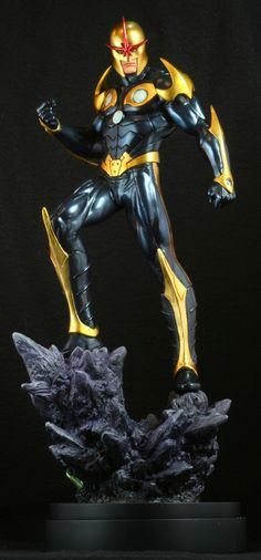 Nova Modern statue  Sculpted by: The Kucharek brothers    Release Date: October 2009  Edition Size: 800