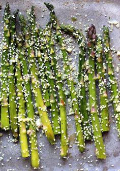 Vegetable Sides, Vegetable Side Dishes, Vegetable Recipes, Vegetarian Recipes, Depressing, Roasted Garlic, Garlic Minced, Food Pyramid, Salmon Dinner