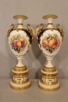Royal Worcester Porcelain Urns : Lot 94