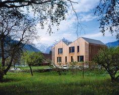 Haus Weesen mit Lärchenholzfassade und Blick ins Glarnerland und zum Walensee