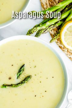 ,This easy Creamy Asparagus soup is a healthy low carb, keto soup that is perfect for spring! Asparagus, cream, and a splash of lemon juice make this l. Creamed Asparagus, Spinach Soup, How To Cook Asparagus, Fresh Asparagus, Asparagus Recipe, Vegetarian Crockpot Recipes, Soup Recipes, Recipes Dinner, Cooker Recipes