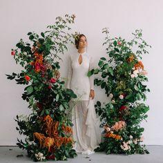 Lavish floral design | autumn color palette | unique wedding ideas | wedding flowers