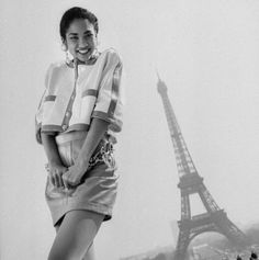 Taking a look back at a young Kimora Lee photographed wearing Chanel in Paris, France. At 13 years of age Kimora Lee landed an exclusive contract with the house of Chanel and was Karl Lagerfeld's muse. Black Supermodels, Russell Simmons, Kimora Lee Simmons, Baby Phat, Celebs, Celebrities, Girl Crushes, Vintage Chanel, 90s Fashion