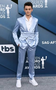 Noah Schnapp from SAG Awards 2020 Red Carpet Fashion – Expolore the best and the special ideas about Red carpet looks Fashion Fail, Fashion 2020, Fashion Pants, Fashion Show, Guy Fashion, Fashion Black, Couture Fashion, Fashion Ideas, Fashion Dresses