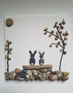 Stone Pictures Pebble Art, Rock Sculpture, Ribbon Sculpture, Pebble Art Family, Stick Art, Stick Of Rock, Rock And Pebbles, Creation Deco, Rock Design
