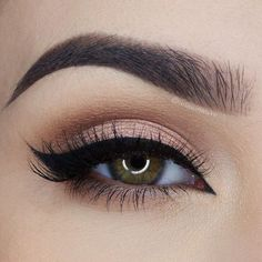 soft peach smokey eye with winged liner ~  we ❤ this! http://moncheribridals.com
