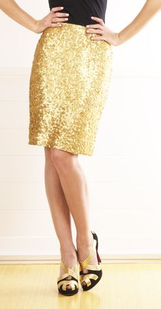 VINTAGE SKIRT,Shiny: The way it is visually seen as a texture. You can physically catch the attention from your eyes that it can be seen. Since it is visually attractive, it has an increase texture to the outfit. To allow more fullness to the shape of the body.