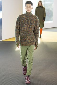 Catwalk photos and all the looks from Kenzo Autumn/Winter 2015-16 Menswear Paris Fashion Week