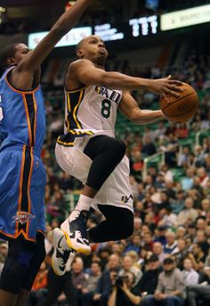 Utah s Randy Foye glides to the basket against the Thunder in Salt Lake  City on Oct f200b5b35