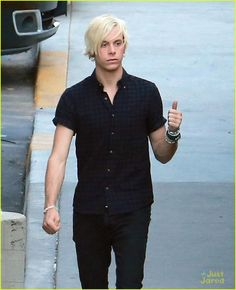 ross lynch cant watch riker dwts 04