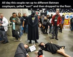 Oh my. This is terribly awesome. Cosplay as batman's parents. This is either genius or pure evil.