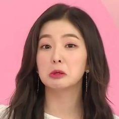 irene is a baby omg Kpop Girl Groups, Kpop Girls, My Girl, Cool Girl, Red Velvet Photoshoot, Redvelvet Kpop, Ugly Faces, Red Pictures, Red Velvet Irene