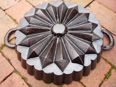 Cast Iron Heart Cake Pan