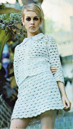 Twiggy 1969 vintage fashion style white knit outfit suit skirt dress jacket open eyelet mini late 60s early 70s color photo print ad supermodel