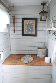 Outside Toilet, Outdoor Toilet, Outdoor Baths, Outdoor Bathrooms, Outhouse Bathroom, Barn Bathroom, Building An Outhouse, Rustic Toilets, Diy Garden Furniture