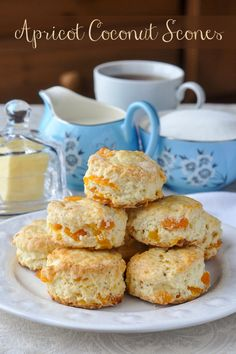 Appetizer Recipes Discover Apricot Coconut Scones- perfect for afternoon tea! Tender little scones with great coconut flavour and sweet chunks of dried apricot baked right in. A dainty and delicious addition to afternoon tea! Tea Biscuits, Cookies Et Biscuits, Coconut Scones Recipe, Apricot Scones Recipe, Fudge Caramel, Baking Scones, Bread Baking, Apricot Recipes, Cloud Bread
