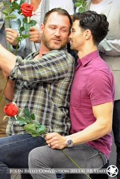 COULD THEY NOT?!? Ohmygoodness. This cast is going to kill me. #tyolsson #mattcohen #supernatural
