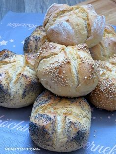 ❤️ Thermomix Rezepte mit Herz - Herzfeld - Pampered Chef ❤️ Rezeptideen,Tipps &Co. German Bread, Baked Rolls, Healthy Crockpot Recipes, Pampered Chef, Bread Baking, Food Inspiration, Food And Drink, Cooking, Omelette