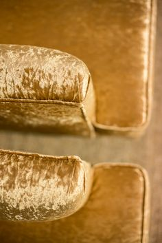 Fauteuil Gatwick METROPOLE by BAAN Luxury Living, Hot Dog Buns, Arms, Lounge Chairs, Luxury Life, Luxury Homes, Guns