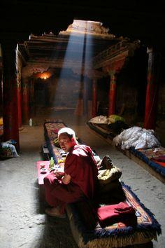 Monks in Tibet Worshiping