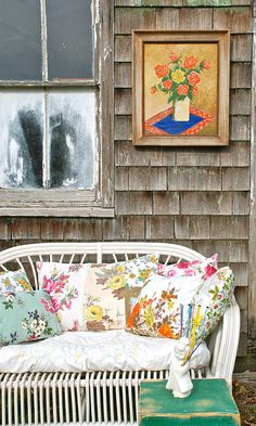a mix of vintage pillows... by blondiebluvintage, via Flickr