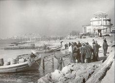 1967 ~ Φλοίσβος. Παλαιό Φάληρο. (1885-1900 κατοικία. 1900-1926 luna park Platon. 1926-2005 αναψυκτήριο. Από το 2005 έως σήμερα εκθεσιακός χώρος του πολιτιστικού κέντρου του Δήμου)