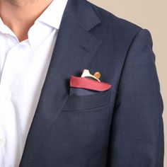 Travelteq Pocchiali - Protect your glasses with a reversible silk sleeve that doubles as a pocket square Renaissance Men, Modern Gentleman, 1920s Dress, Men's Wardrobe, Sharp Dressed Man, Victorian Fashion, Fashion 1920s, Fashion Plates, Fashion History