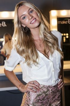 Candice Swanepoel ~ I love her fresh face and innocence in this picture. Character idea for Taryn.