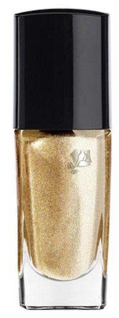 Lancome gold nail polish http://rstyle.me/n/j3f7dnyg6