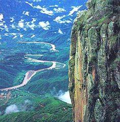 Cooper Canyon buena para practicar senderismo y montar a caballo. Es más grande que el Gran Cañón en Arizona.