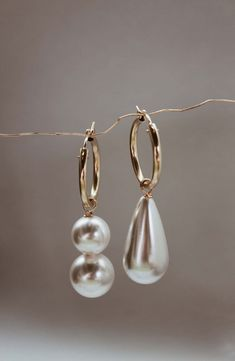 3 Sublime Cool Tips: Jewelry Vintage Perfume Bottles jewelry bracelets blue.Jewelry Design Workspace silver jewelry with saree.Silver Jewelry With Saree. Pearl Jewelry, Jewelry Box, Jewelry Bracelets, Silver Jewelry, Jewelry Accessories, Fine Jewelry, Jewelry Design, Pearl Earrings, Hoop Earrings