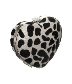 I <3 hearts! What a fun way to add some love to your accessories. Shimmering ''Leopard Heart'' Evening Clutch