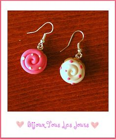 tiny cupcake earrings!  irresistible!