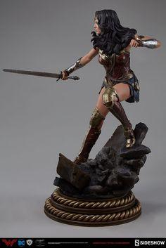 Sideshow Collectibles 1/4th scale Batman v Superman: Dawn of Justice Wonder Woman Premium Format™ Figure
