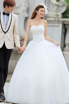 Dresswe.com SUPPLIES Fantastic Ball Gown Sweetheart Beading Floor-length Wedding Dress  Vintage Wedding Dresses
