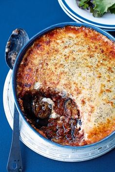 Foodie Travel 284430532692906228 - Moussaka is a classic Greek dish made from aubergines and lamb mince. This tasty recipe is quick and easy, and can be made ahead. Source by deliciousmaguk Greek Recipes, Meat Recipes, Cooking Recipes, Healthy Recipes, Lamb Mince Recipes, Turkish Recipes, Healthy Food, Recipies, Carne