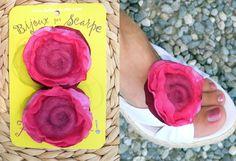 brooch accessorio clip bijoux per scarpe in fucsia di Luciana Torre - accessori tessili handmade e ceramica dipinta a mano. Pezzi unici su DaWanda.com