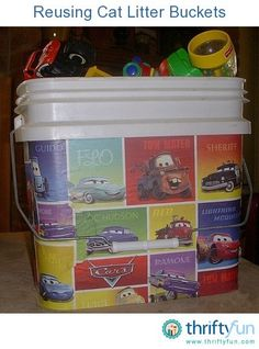 If you buy cat litter in the large plastic buckets, there are a lot of ways to reuse the empty buckets. This is a guide about reusing cat litter buckets.