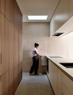 Whole New Small Footprint Home - - Rob Kennon Architects show how ammenity, liveability and sustainabilty can all be acheived on a tight floor plan, with clever design. Home Design, Küchen Design, Interior Design Kitchen, Architecture Renovation, Home Renovation, Home Remodeling, Kitchen Remodeling, Architecture Design, Minimal Kitchen
