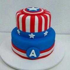 Bolo de Capitão América Captain America Party, Captain America Birthday, Bolo Fack, Girl Birthday, Birthday Cake, Avenger Cake, Superhero Cake, Baking And Pastry, Themed Cakes