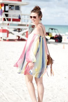 Florida | USA | America | Sunshine State | Miami | Miami Beach | girl | girly | happy | colourful dress | outfit | summeroutfit | summer look | regenbogenkleid | dress | smile | brunette