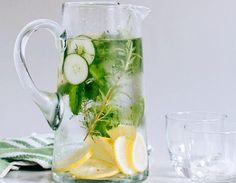 Специалната вода за плосък корем може да пиете като допълнение към диетата си за отслабване или просто за подобряване на храносмилането. Във втория случай водата ще ви помогне срещу подуване и болки