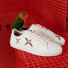 """SAILERstyle auf Instagram: """"𝐒𝐍𝐄𝐀𝐊𝐄𝐑 𝐖𝐄𝐓𝐓𝐄𝐑 // #AxelArigato sind neu bei uns. Sneaker für Männer, die nicht nur Wert auf Komfort sondern auch auf Style legen!…"""" Axel Arigato, Komfort, Converse, Sneakers, Shoes, Instagram, Fashion, Weather, Legends"""
