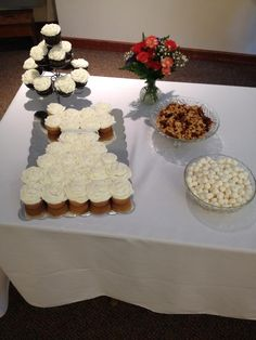 Cupcake Wedding dress Wedding Dress Cupcakes, Cupcake Wedding, Favorite Recipes, Grits, Bridal Showers, Shower Ideas, Desserts, Food, Tailgate Desserts