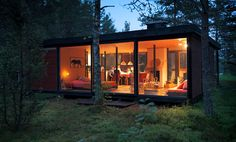Small cabin photographed by JukkaRapo | desiretoinspire.net